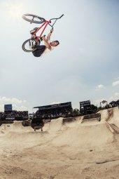 Sergio Layos - Action