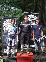 IZ-DER: 2- Jesus Monge, 1- Aster Cambronero, 3- Douglas Fernandez