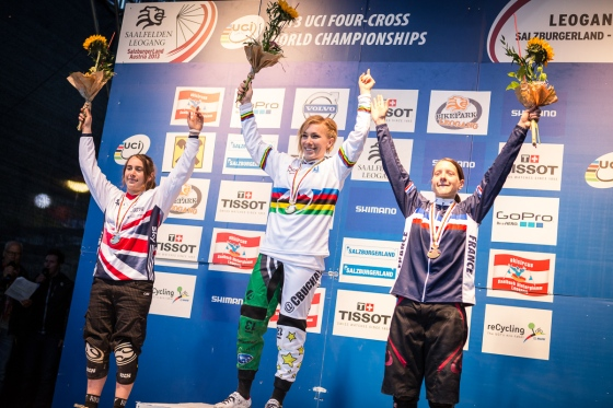 4X_podium_women_by_Michael_Marte