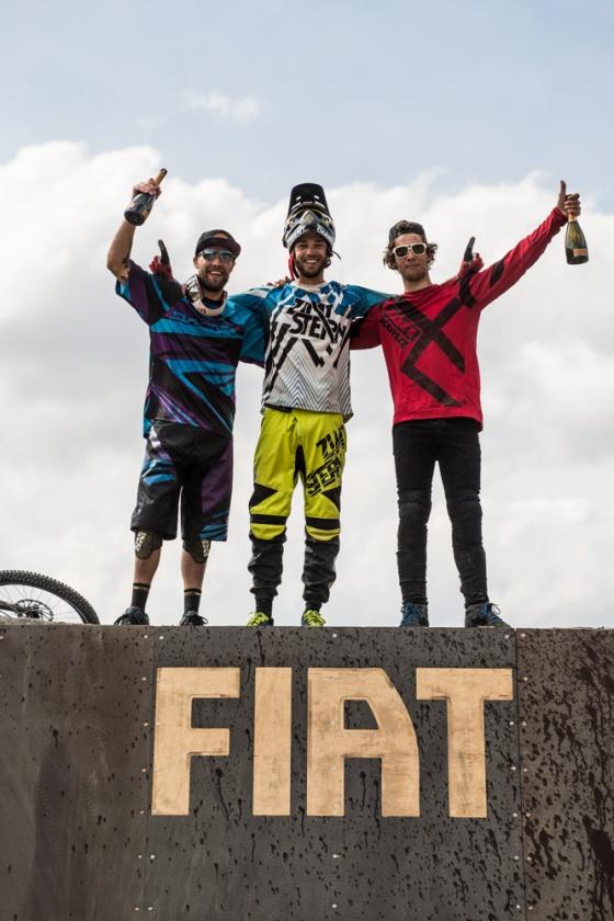 Geoff Gulevich (izquierda, ganador), Andi Wittmann (Creador del evento, centro) and Antoine Bizet (derecha ganador del mejor truco)