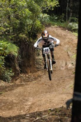 Roberto Castillo, entrando hacia salto grande